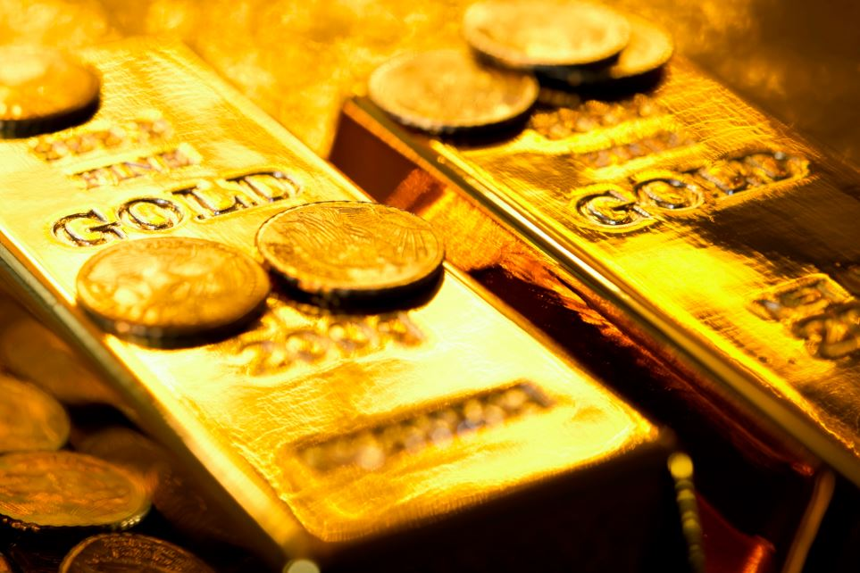 macro-gold-bars-coins